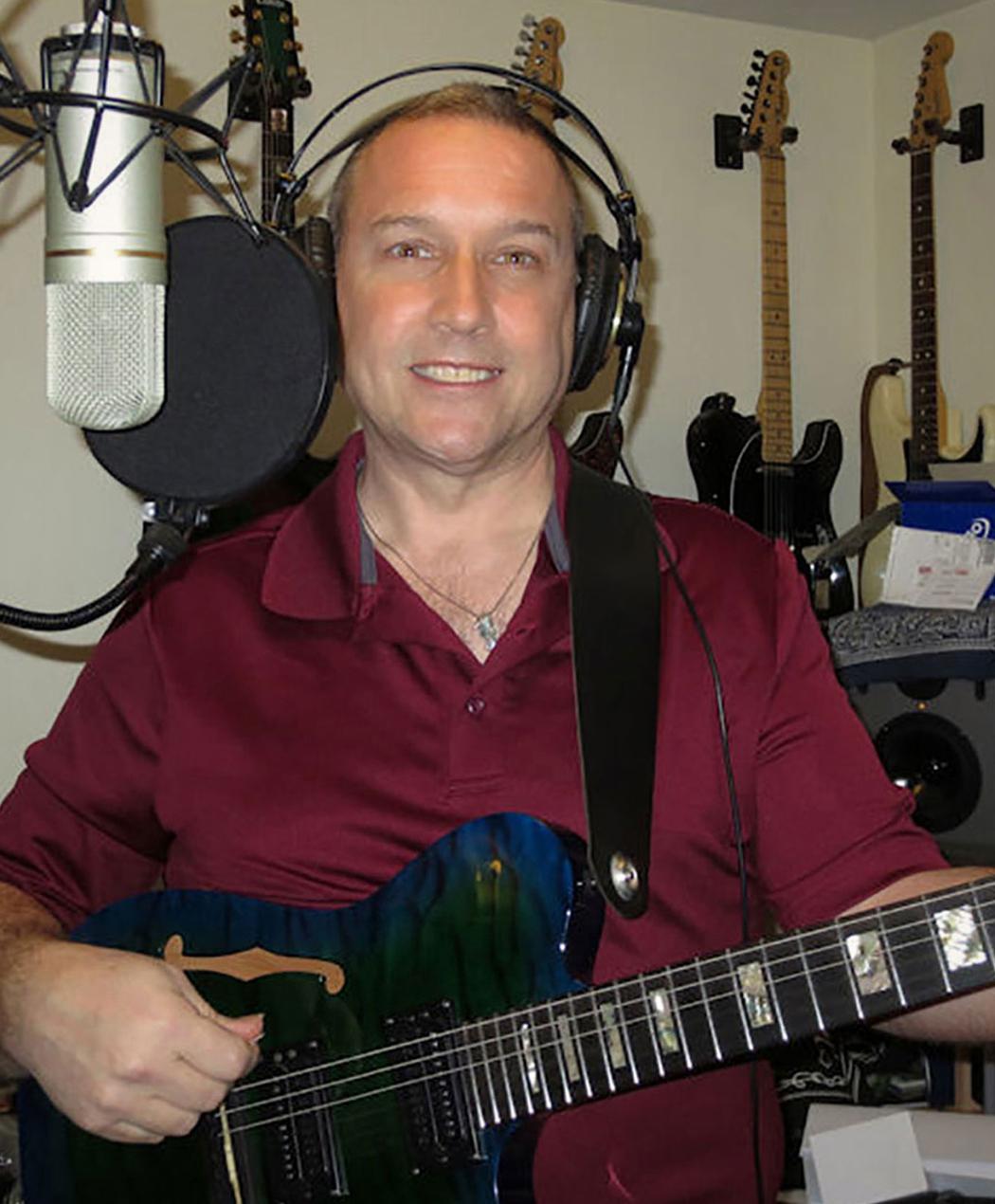 Dennis Veator